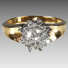 Fine 10K Gold and Diamond cluster Cocktail ring TW .25 diamond size 6