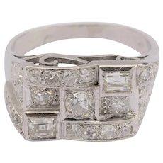 Art Deco diamond ring Platinum circa 1920