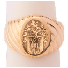 Antique Signet ring 14 k yellow gold circa 1900