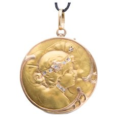 Antique Art Nouveau locket/pendant diamonds gold 18 k circa 1900