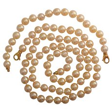 9 mm Cultured Pearl necklace with matching bracelet