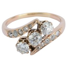 Art Nouveau three stones diamond ring 1.00 cwt 14 k reddish gold circa 1900-1910
