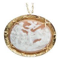 Shell Cameo brooch/pendant 18 k yellow gold frame circa 1950