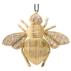 0.85 cwt diamond Bee pendant 18 k yellow gold circa 1990