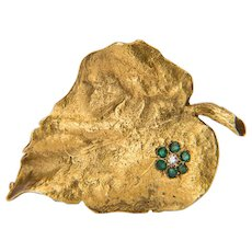 Diamond  Emeralds Ivy leaf brooch 18 karat yellow gold circa 1980