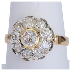 Sparkling 2.12 cwt old European cut diamonds ring 18 karat yellow gold circa 1910