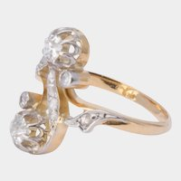Art Nouveau diamond ring  circa 1900 s 18 karat yellow gold platinum top