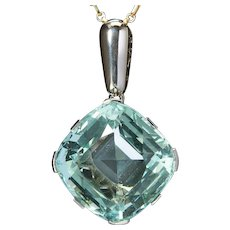 French 49 carats Aquamarine pendant Platinum 950 and 18 k white gold