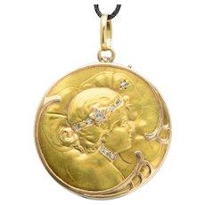 Art Nouveau locket/pendant rose-cut diamonds 18 karat yellow gold circa 1900 s