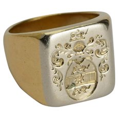 Antique coat of arms family crests signet ring 18 k yellow gold 13.2 gram circa 1900 s