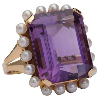 Large 21 carats Amethyst pearls ring 18 k yellow gold Cocktail / Right Hand ring circa 1960