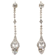 Sparkling 3.98 cwt diamonds platinum long drop earrings Early Art Deco circa 1918