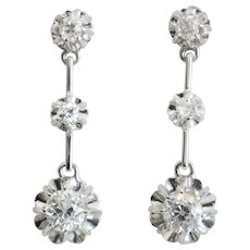 Sparkling F / VS 1.30 cwt diamonds drop earrings 18 k white gold circa 1918 s