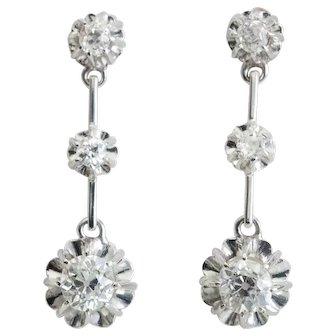 Sparkling F / VS 1.30 cwt diamonds drop earrings 18 k white gold circa 1918 s
