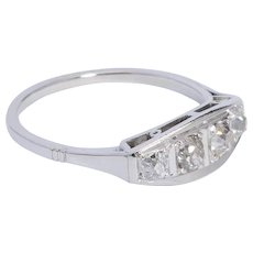 Elegant  engagement ring 0.60 cwt diamond Art Deco circa 1920 s