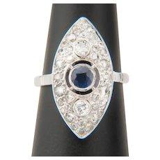 Diamond and Sapphire ring 18 karat white gold Art Deco circa 1930