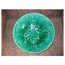 Wedgwood Etruria Green Leaf Majolica Large Bowl