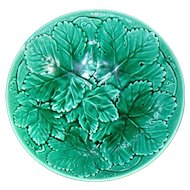 Wedgwood Etruria Green Leaf Majolica Large Bowl