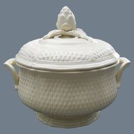 Gien France Pont Aux Choux White Soup Tureen with Figural Lid