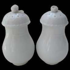 Herend White Porcelain Basketweave Screwtop Rose Finial Shakers