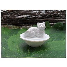 Cute American Girl AG Miniature Milk Glass Cat Dish