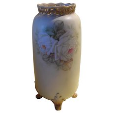 Gorgeous Vintage Royal Bayreuth Deponiert Signed Ivory White Roses Footed Vase