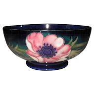 Beautiful Classic William Moorcroft Signed Anemone Cobalt Bowl