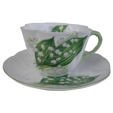 Delightful Shelley Dainty Lily of the Valley Teacup/Saucer 13822