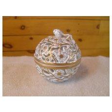 Herend Porcelain Gold White Box Potpourri Berry Finial 6213