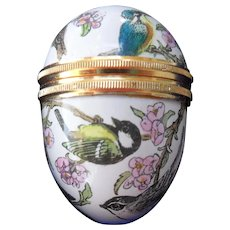 Diminutive Halcyon Days Enamel Bird Pill Box