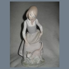 Lladro Girl with Cat 1187 Figurine Matte