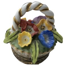 Stunning Chamart Limoges Figural Flowers Pill Box