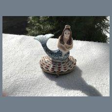 Rochard Limoges Mermaid Pill Box Seahorse Shell
