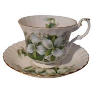 Royal Albert White Trillium Flower Teacup/Saucer