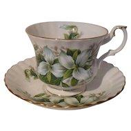 Royal Albert White Trillium Flower Teacup/Saucer