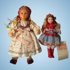 Vintage Cloth Dolls In Regional Outfit