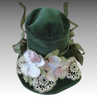 Vintage Velvet Green Hat.For Your Doll