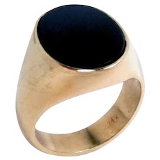 Mens 14K Yellow Gold Ring Onyx Size 8.5, Vintage 9.3 g.