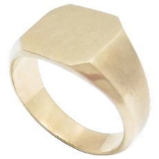 Vintage 14K Yellow Gold Solid Back Man's Signet Ring Size 6