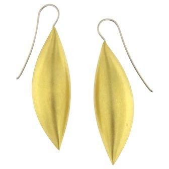 Vintage 18KY Gold Smooth Peapod Dangling Hook Earrings