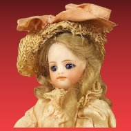 Beautiful french mignonette in factorry original dress in christmas box