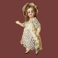 Small german doll  for  the french market