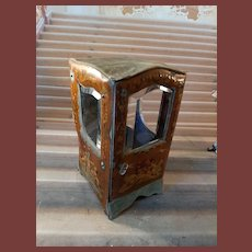 French sadan chair for mignonettes