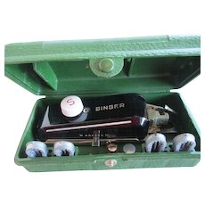 Singer Sewing Machine /Buttonhole Attatchments