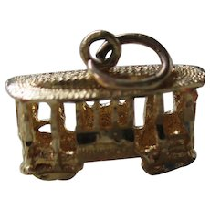 14 kt Gold Charm-Trolley