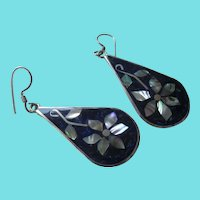 Mexico Alpaca Silvertone/Abalone Wire Earrings