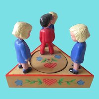 Vintage 1950s Mechanical Musical Kissing Toy