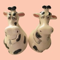 Vintage Adorable S/P Lazy Cow Shakers