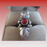 Vintage -Coral /Silver 925 Leaf Ring