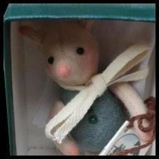 Vintage 1994 R. John Wright Winnie the Pooh Pocket Piglet w/ Box